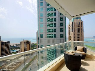 Well-placed 1 BR with captivating views, Dubai