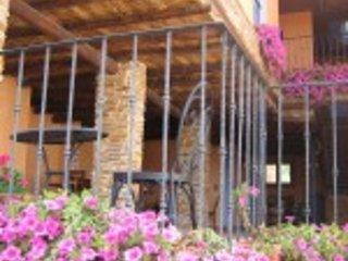 Casa Rural los Pedregales en Monasterio de Piedra, Carenas