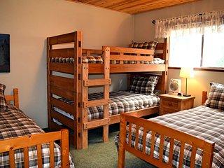 Hummingbear Lodge, Big Bear Region
