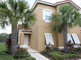 Newly furnished Townhouse with Private Pool, Kissimmee