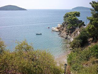 Sea View Traditional House in Plakes, Ciudad de Skiathos