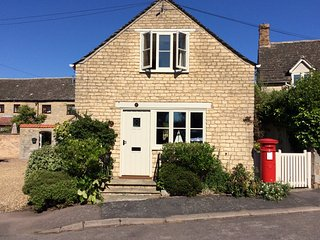 Postbox Cottage, Edith Weston