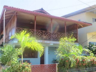 Local Colour Guest House, Pueblo de Bocas