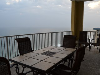 Fabulous  20Th Floor OCEAN VILLA END Unit !  GREAT LOCATION IN PCB !