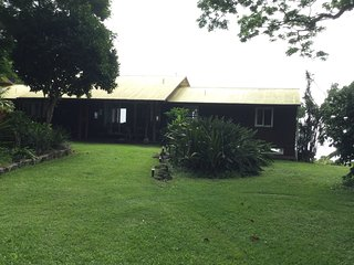 Secluded Hideaway with Spectacular views, Holualoa