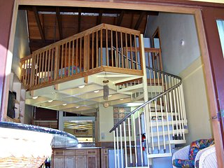 Condo on the Quiet Isle of Molokai, Maunaloa