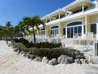 Ocean Front 3 bedroom 3 Bath Villa, Key Colony Beach