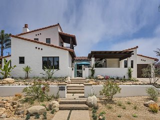 Gorgeous spanish-style home in the Mesa, 700 ft from the Mesa steps, great outdoor space - Casa de Lujo, Santa Bárbara