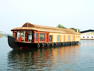 Kerala Boat House for Hire, Nedumbassery