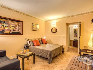 Sant'Agata apartment in Trastevere with WiFi & airconditioning.