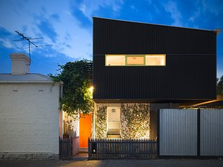 Keeley Lane - Inner City Luxury, Melbourne