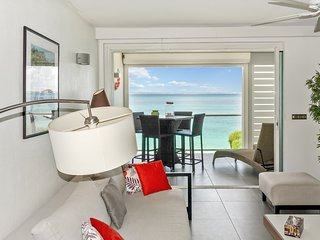 One-Bedroom Apartment first floor up to 4 guests, Grand Case