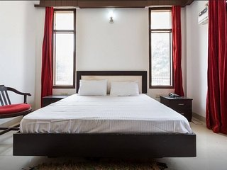 Deluxe Rooms In Gurgaon, Haryana