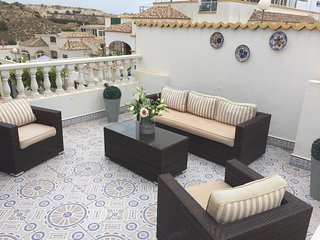 South facing 3 bed villa with air con, La Marina