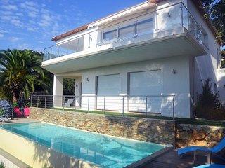 Villa avec vue mer panoramique piscine et parking