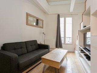 Zen and smart appartment, Paris