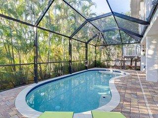 La Casa on Mango, 3 Bedrooms, New Heated Pool, Pet Friendly, WiFi, Sleeps 8, Fort Myers Beach