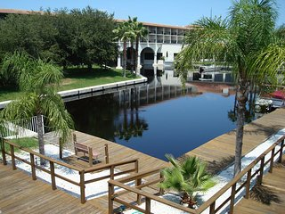Lakeside Apartment Near Clearwater Beaches, Palm Harbor