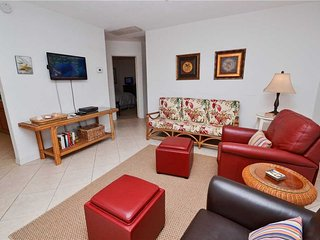 Bird of Paradise Bungalow, 2 Bedroom, WiFi, Sleeps 4, Gulfport