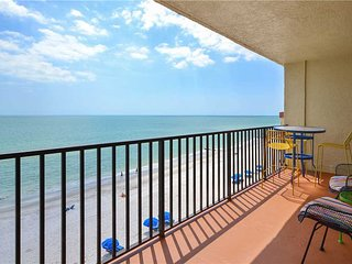 Las Brisas 503, 3 Bedroom, Gulf Front, Shared Pool, BBQ Area, Sleeps 9, Madeira Beach