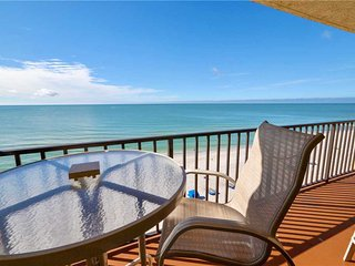 Las Brisas 504, 3 Bedroom, Gulf Front, Shared Pool, BBQ Area, Sleeps 8, Madeira Beach