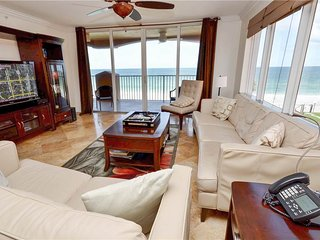 La Contessa 210, 3 Bedroom, Gulf Front, Pool, BBQ Area, Spa, Sleeps 6, Redington Beach
