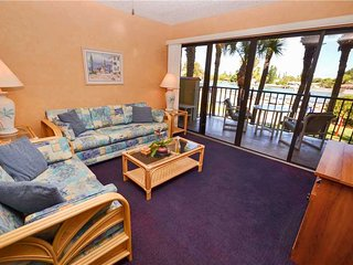 Lands End 1-206, 2 Bedroom, Canal View, Heated Pool, Spa, WiFi, Sleeps 6, Treasure Island