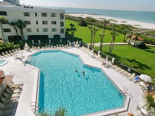 Lands End 6-203, 2 Bedroom, Gulf Front, Heated Pool, Spa, WiFi, Sleeps 6, Treasure Island