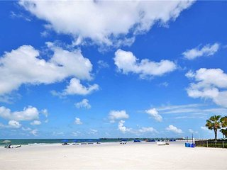 Sea Rocket 12, Studio, Ground Floor, BBQ Area, WiFi, Sleeps 4, North Redington Beach