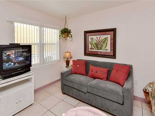 Sea Rocket 2, Studio, Ground Floor, BBQ Area, WiFi, Sleeps 4, North Redington Beach
