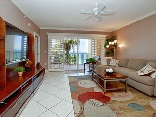 Tides Beach Club 5-354, 2 Bedroom, Gulf Front, 3 Pools, Spa, WiFi, Sleeps 4, North Redington Beach