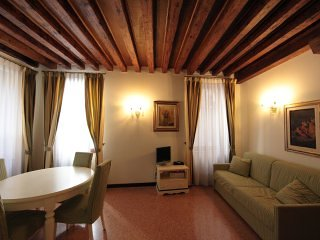 FLAT FAMILY, THREE MINUTES FROM ST. MARK'S SQUARE, Venedig