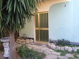 appartamento in casa bifamiliare zona centrale, Roccella Ionica