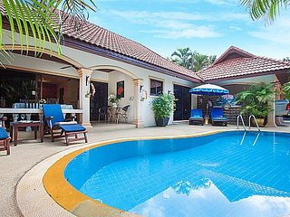 Secluded Nai Harn Beach 2 bed villa, Kata Beach