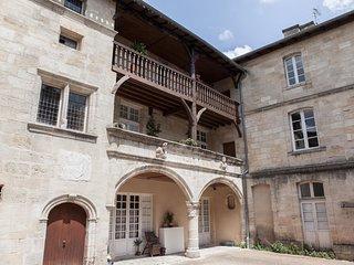 Bel appartement avec balcon et place de parking