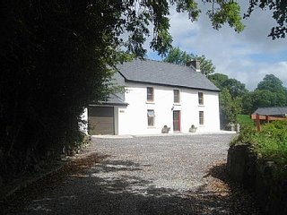 Delightful 3 bedroomed country cottage, Ballylickey