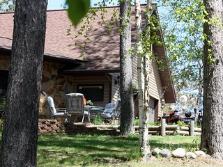 LAKE LOFT RENTAL AT TREE HOUSE  INN