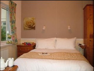 Cottage Court Hotel RM 10 King Size Bedr, Tenby