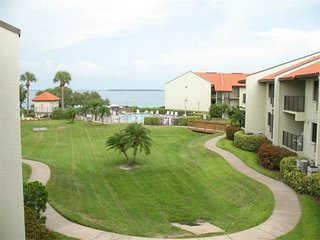 Gorgeous Water View, Tierra Verde Fl Condo! Completely Renovated, Free Wifi