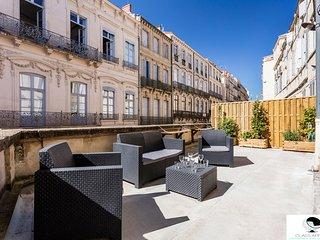 Appartement avec immense terrasse rue St Guilhem