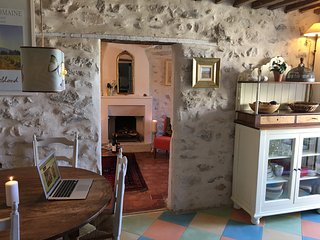 Romantic townhouse in centre of Vaison la Romaine