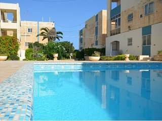 3 Bedroom Superior Maisonette with Pool, Qawra