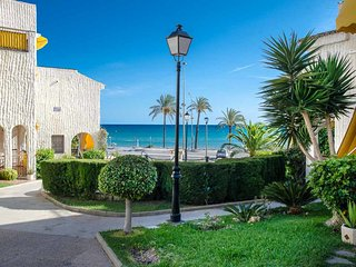 Santa Pola Beach house, direct sea views!