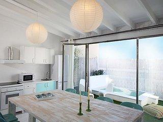 Casa Azul #3888, Barcelona