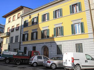2 bedroom Apartment in Florence, Tuscany, Italy : ref 5029024