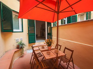 2 bedroom Apartment in Florence, Tuscany, Italy : ref 5035528