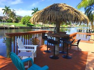 Cape Escape OASIS Luxury Gulf access Estate Villa, Cape Coral