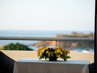 Elizabeth Suites with sea view, Kato Daratso