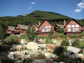 Banff Gate Mountain Resort in a 2 Bedroom Chalet, Canmore