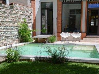 Charme, calme, central, ,luxueux,jardin, piscine, Toulouse
